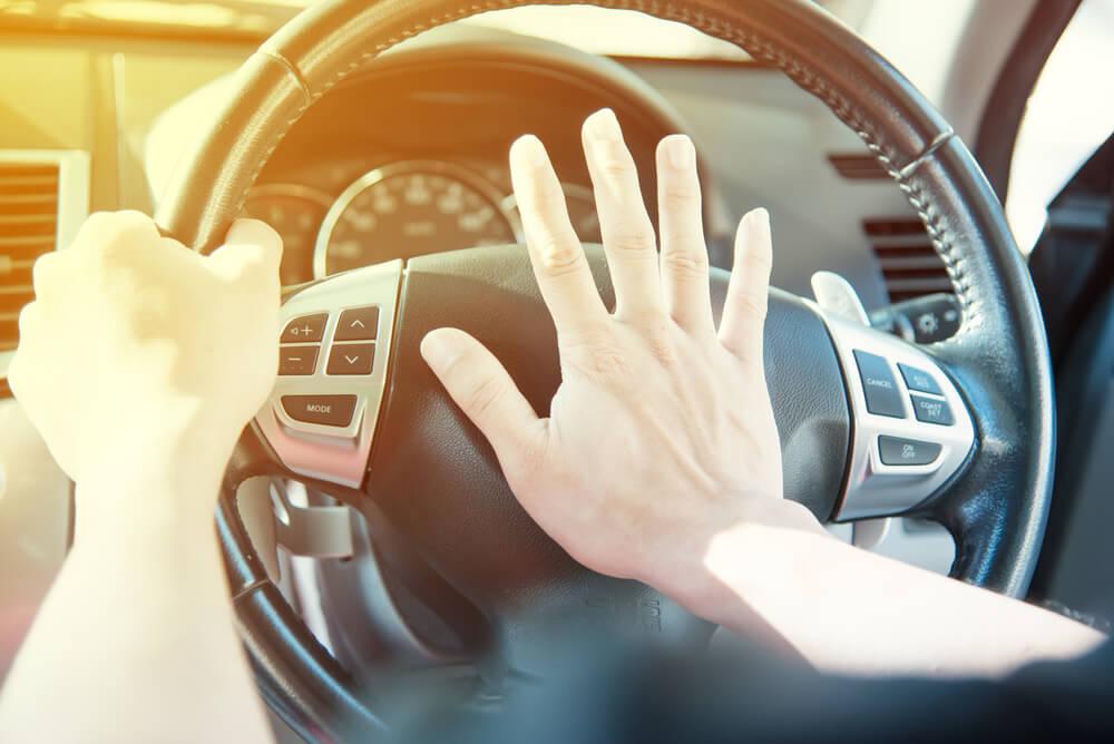 "Racist screamed ""learn to drive, f*cking P*ki"" at Muslim woman"